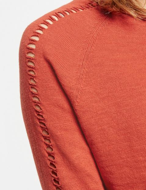 Pullover mit Lochmuster