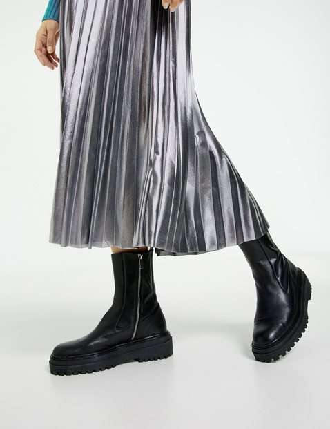 A-line pleated skirt