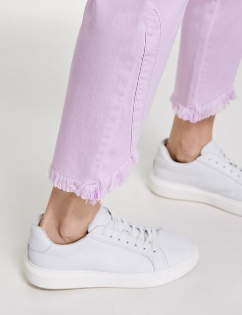 Skinny Jeans mit Fransenkanten