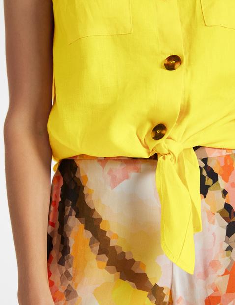 Linen blouse for knotting