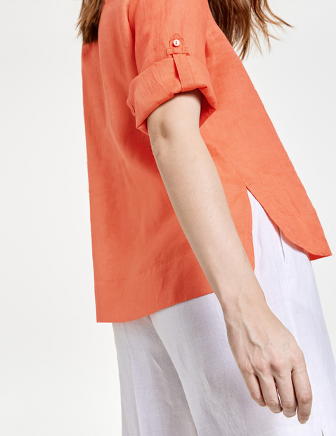 Linen tunic with 3/4-length sleeves
