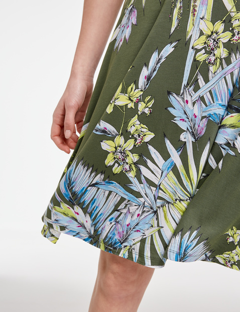 Sukienka z jerseyu z nadrukiem w egzotyczne kwiaty, EcoVero