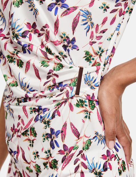 Jerseykleid mit seitlicher Raffung