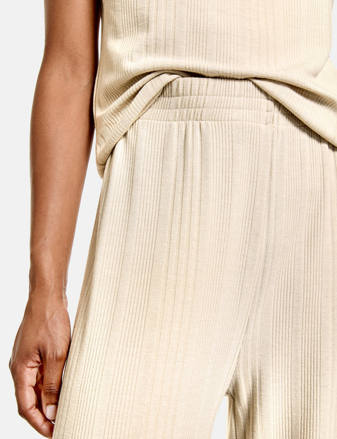 Culottes with a ribbed texture