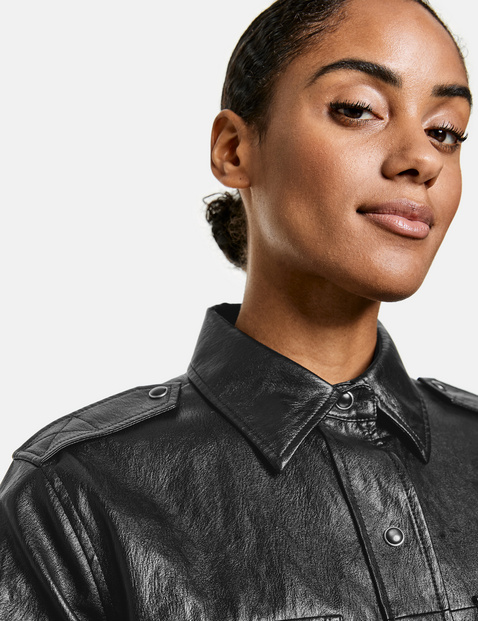 Long shirt jacket in a leather look