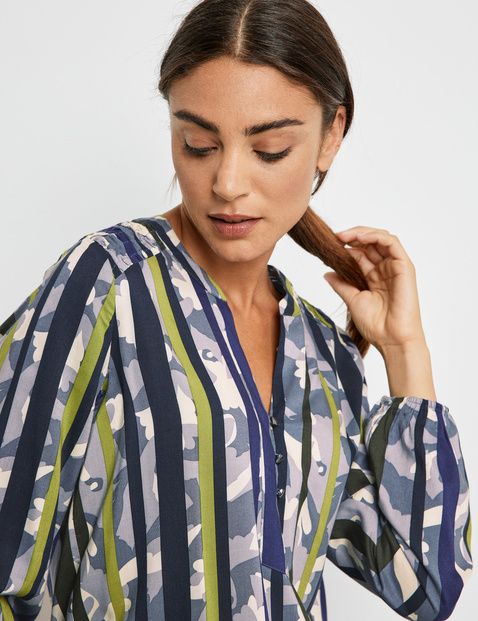 EcoVero blouse with a mid-length button placket