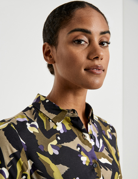 Long blouse with an all-over print made of EcoVero viscose