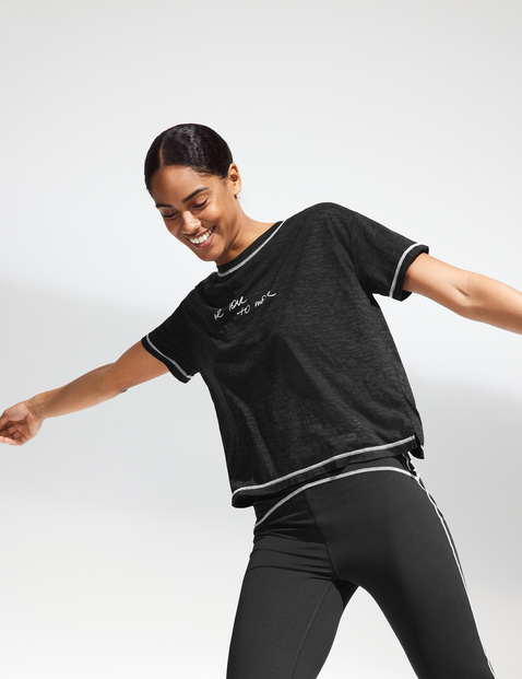 """""""We love to move"""" sports top"""