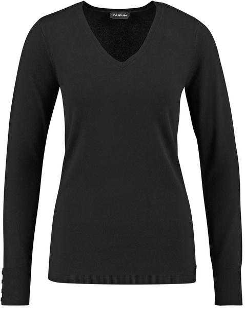 Basic jumper with a V-neck