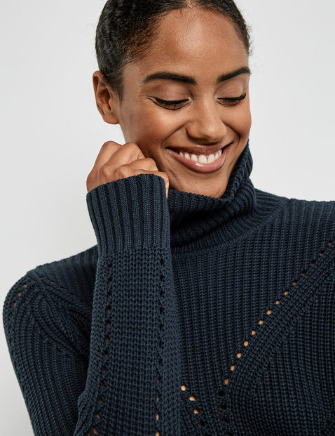 Polo neck jumper made of GOTS-certified cotton