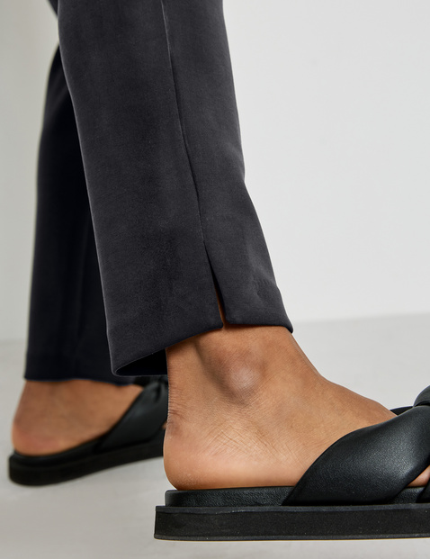 7/8-length trousers made of super soft stretch fabric