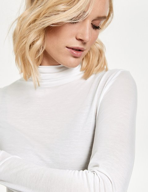 Long sleeve top with a turtleneck