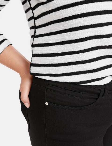 Stretch trousers, Betty
