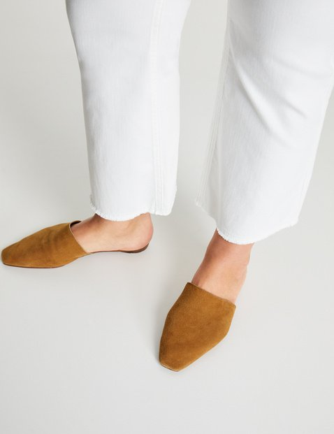 Betty bootcut trousers in organic cotton with a 7/8 leg
