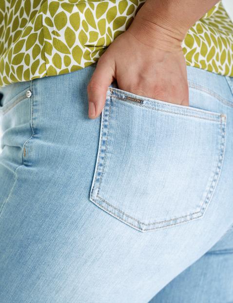 Five-pocket jeans, Betty