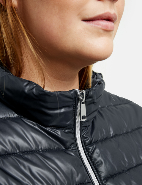 Shiny quilted body warmer