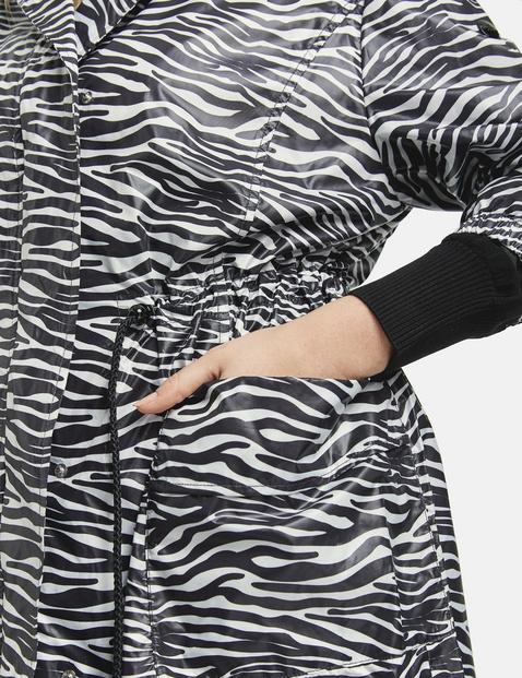 Lichte parka met zebramotief