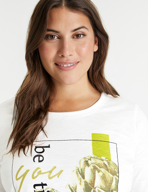 GOTS-certified organic cotton top with mid-length sleeves and a front print
