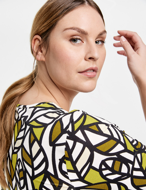 1/2 sleeve EcoVero top with an all-over print