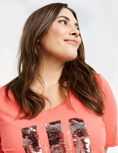 GOTS-certified organic cotton top with sequins