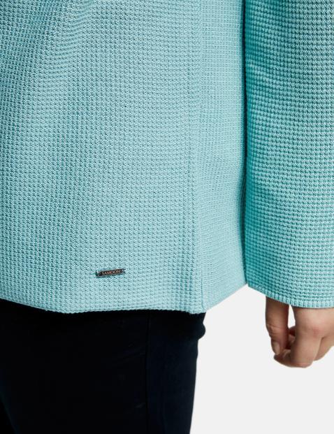Sweter z dzianinowym wzorem