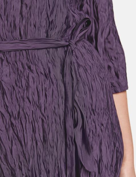 Sukienka midi z gniecionego materiału