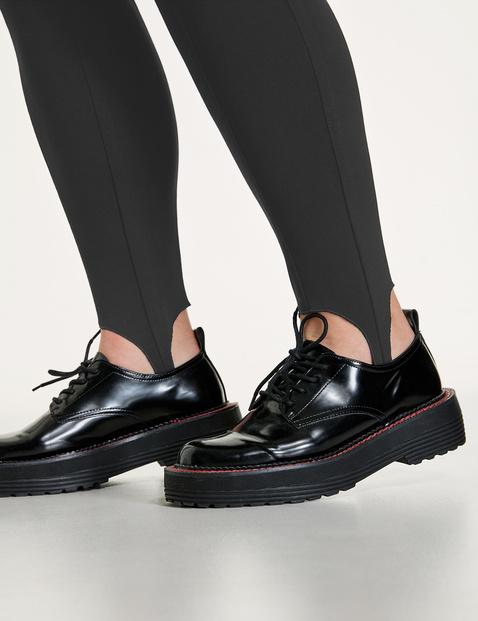 Spodnie Lucy z paskiem pod stopę i zaszewkami