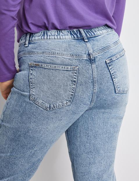 Jeans Jenny mit ausgefransten Säumen