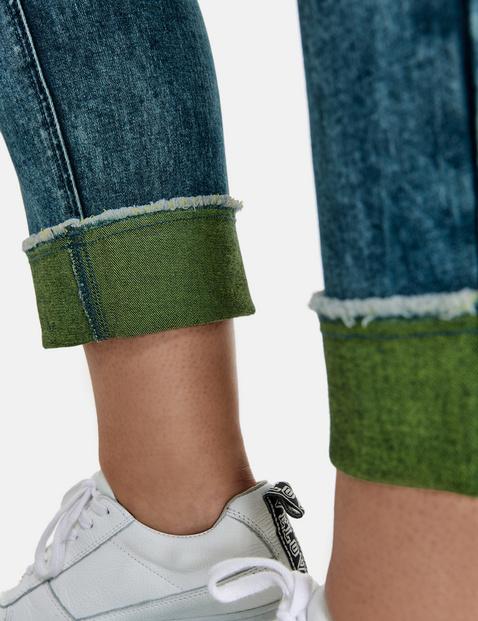 Betty Jeans met omgeslagen zoom