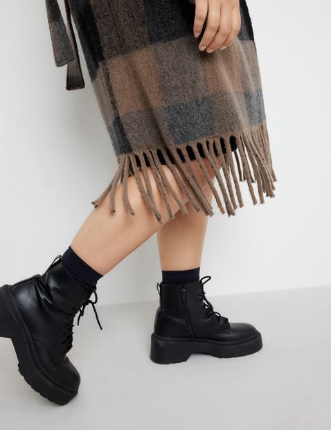 Wool coat by Céline Denefleh