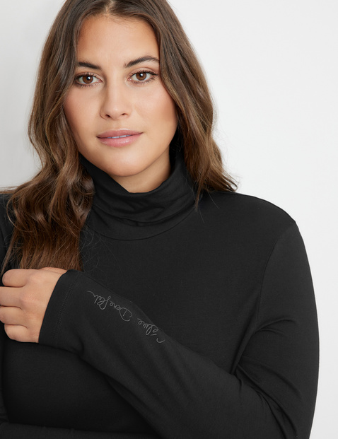 Bodysuit with a polo neck
