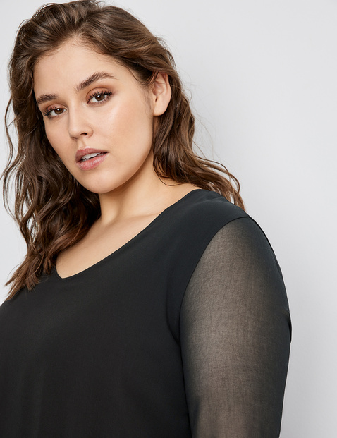 Blouse top in a layered look