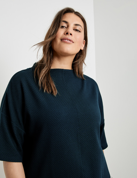 Top in textured fabric