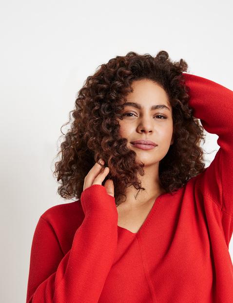 V-neck purl knit jumper