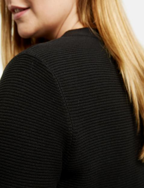 Bawełniany sweter z prążkowanej dzianiny