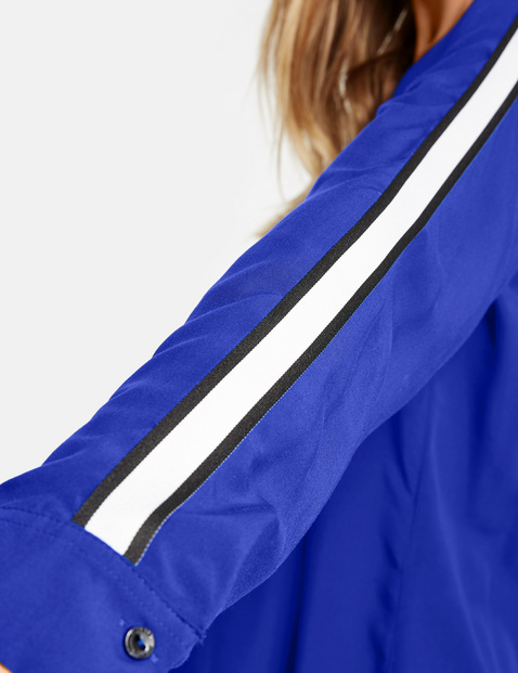Bluse mit appliziertem Streifen