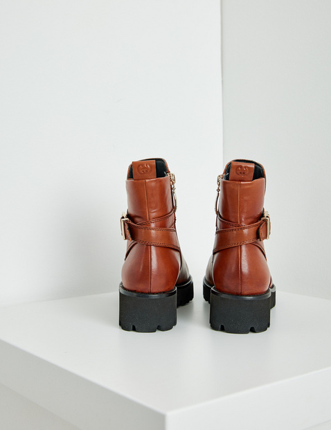 Ankle boots with a tread sole, Sena