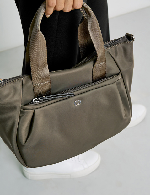 Handbag, Breath sounds