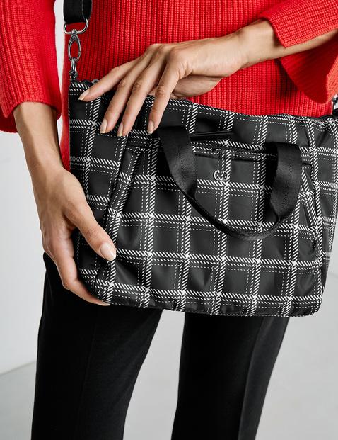 Handbag, Lowlight