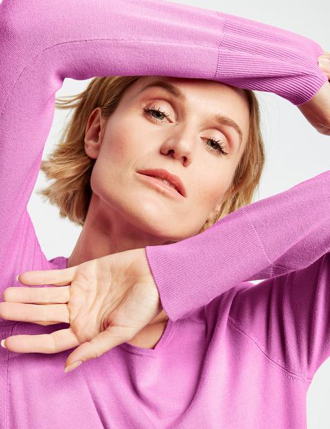 Pullover mit asymmetrischem Vorderteil