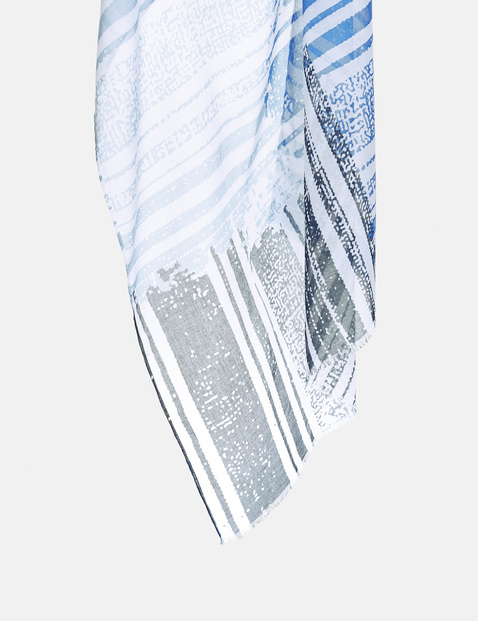 Scarf with mixed stripes