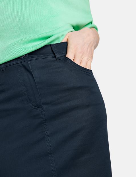 Stretchy cotton skirt