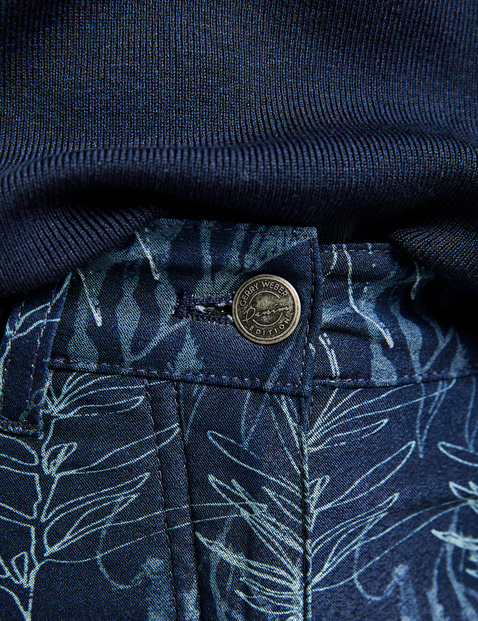 Spodnie o dł. 7/8 z wzorem na całej powierzchni