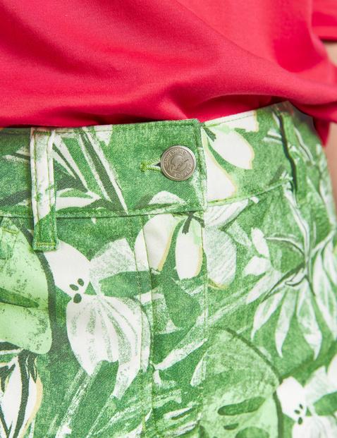 Spodnie capri z wzorem w kwiaty