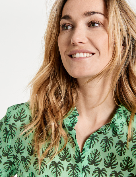 Blouse with palm leaves