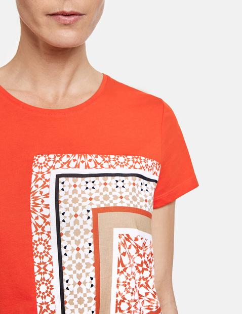 Koszulka z częściowym nadrukiem