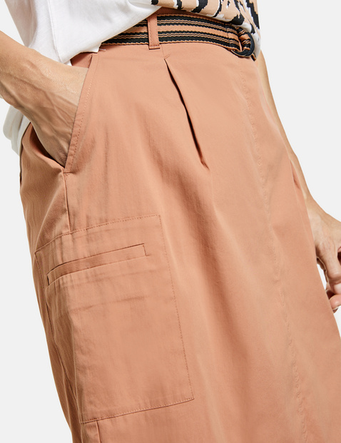 Skirt with side pockets
