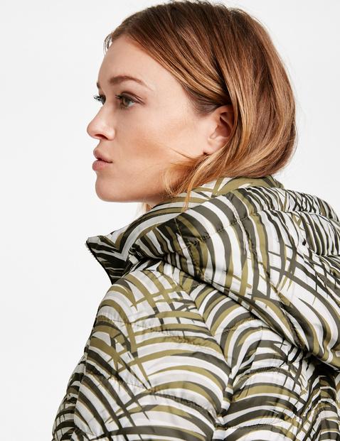 Pikowana kurtka z wzorem na całej powierzchni