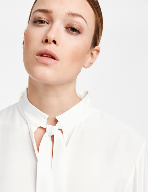 Blouse with a pussycat bow