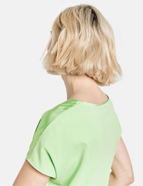 Koszulka o jedwabistym połysku
